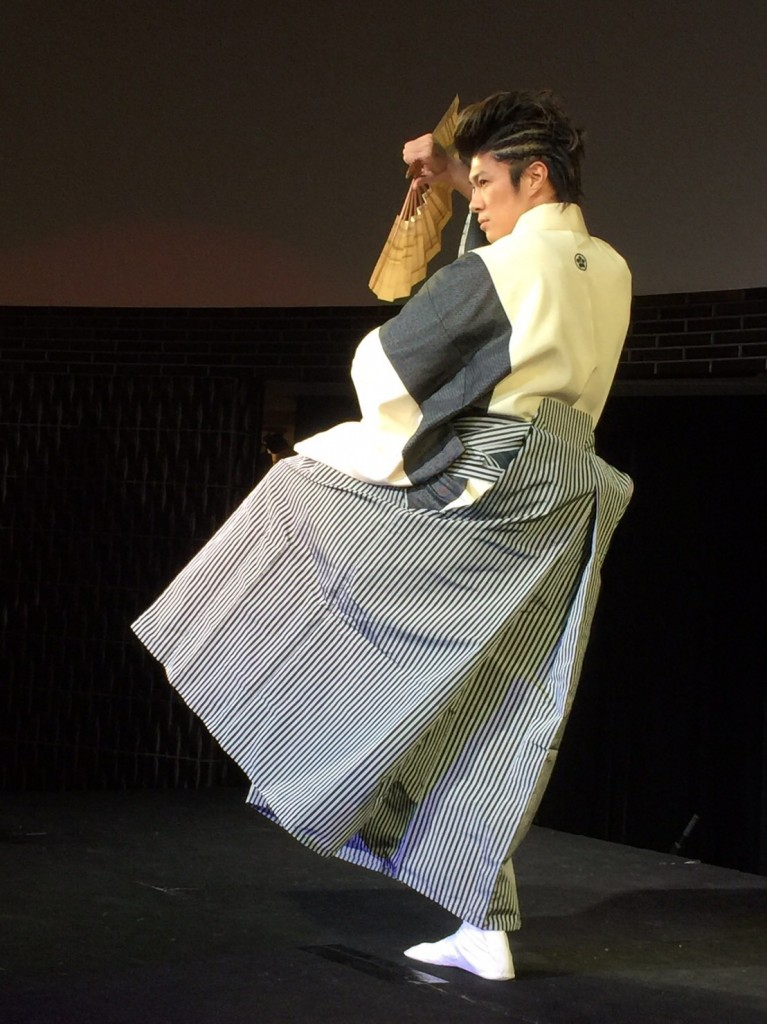 TOMORO_日舞